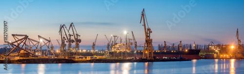 Fototapeta Szczecin, Poland-November 2017: Shipyard in Szczecin, panorama