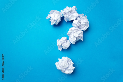Tuinposter Bol ball of white paper