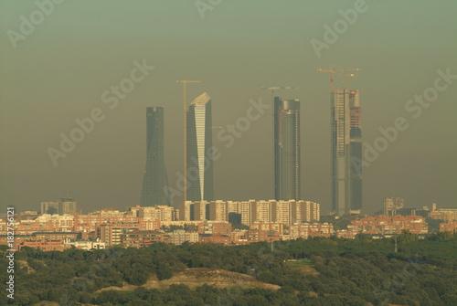 Foto op Aluminium Madrid vista de madrid con las 4 torres al fondo