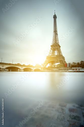 Plexiglas Eiffeltoren Eiffel tower and Seine river in Paris, France