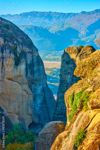 Tuinposter Blauw Rocks in The Meteora