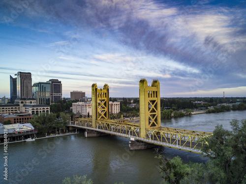 Plexiglas London sacramento tower bridge