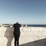 man on a wall - 182991366