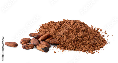 Foto Murales Cacao powder and cocoa beans isolated on white