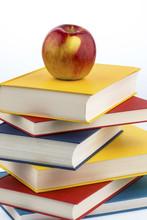 "Постер, картина, фотообои ""apple on a stack of books"""
