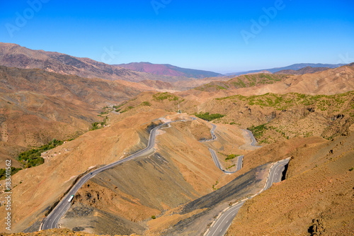 Fotobehang Marokko serpentine road at moroccan atlas