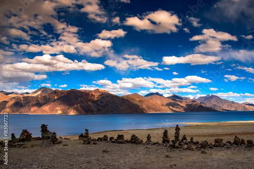 In de dag Nachtblauw Ladakh Diaries
