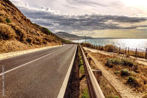 Fototapeta Kurve Lu Bagnu Straße Mittelmeer