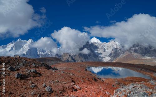 Fotobehang Nachtblauw Looking at Mount Everest from Tsoshutrima