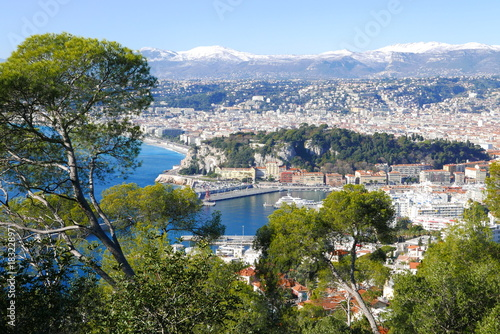 Fotobehang Nice sommets enneigés au dessus de Nice