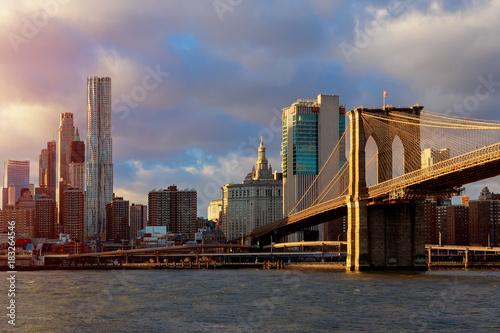 Papiers peints New York New York, Brooklin Bridge and Manhattan at the early morning sun light , New York City, USA