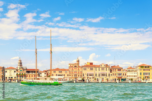Fototapeta Picturesque summer view of Venice with famous water canals and colorful historical buildings.
