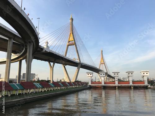 Foto op Aluminium Bangkok Bhumibol Bridge