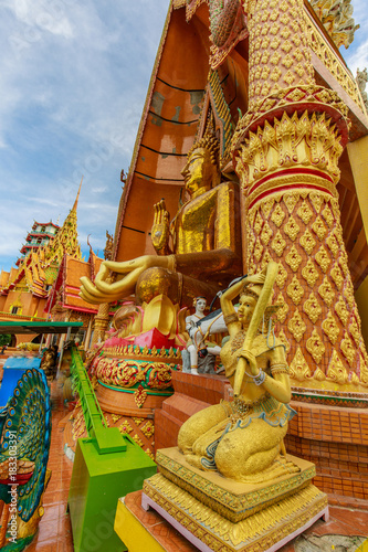 Fotobehang Thailand Wat Tum-sua (Tiger cave temple), Beautyful buddhism temple in Kanchanaburi province, Thailand.