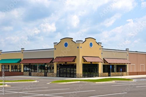 Nowy budynek komercyjny