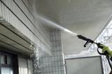 マンション外壁の洗浄作業