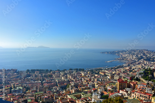 Fotobehang Napels Napoli, veduta del golfo e Capri da Castel sant'Elmo.