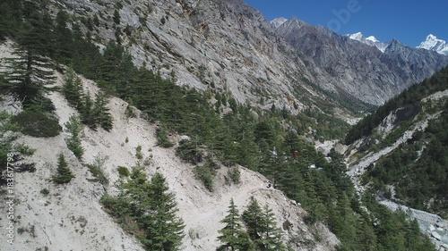 Fotobehang Bergrivier Inde Uttarakhand Village de Gangotri vue du ciel