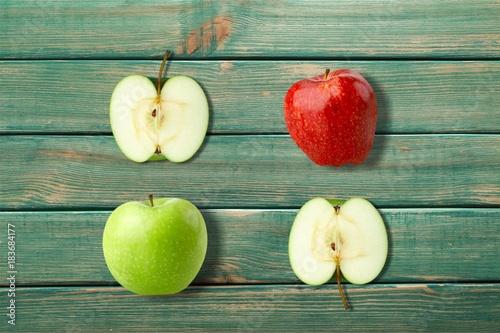 Apple. - 183684177