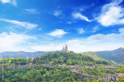 Poster Pistache Beautiful view of the ancient fortress Tsarevets in the mountains, in Veliko Tirnovo, Bulgaria