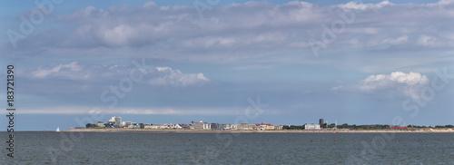 Plexiglas Noordzee Blick von Juist auf die Westküste von Norderney in Ostfriesland, Deutschland, Europa.