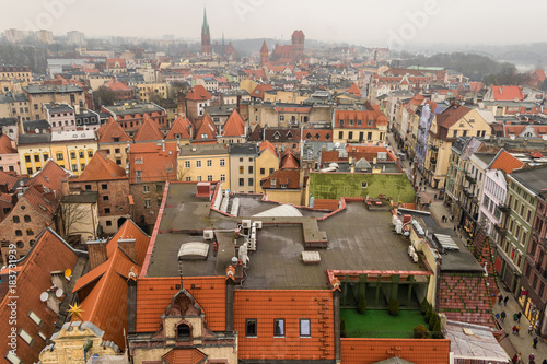 Fototapeta Cityscape with the colorful medieval Old Town of Torun, Poland, listed on the UNESCO World Heritage Site.