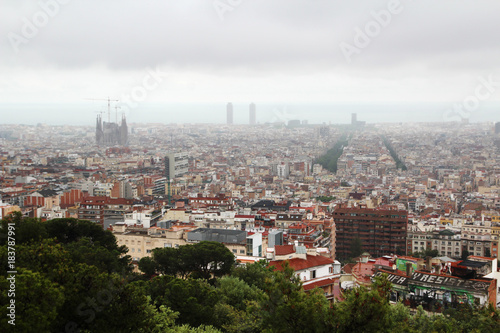 Foto op Aluminium Barcelona A panoramic view of Barcelona from Guell Park