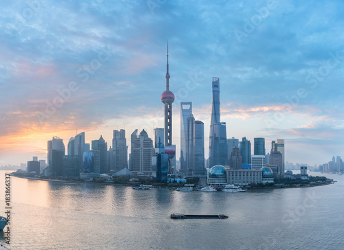Tuinposter Shanghai shanghai skyline panorama