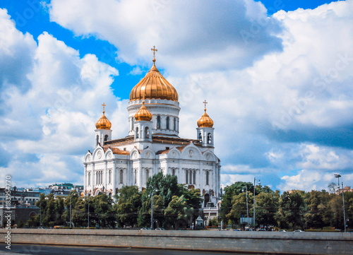 Plexiglas Moskou View of the Temple of Christ the Savior from the embankment of the Moscow river
