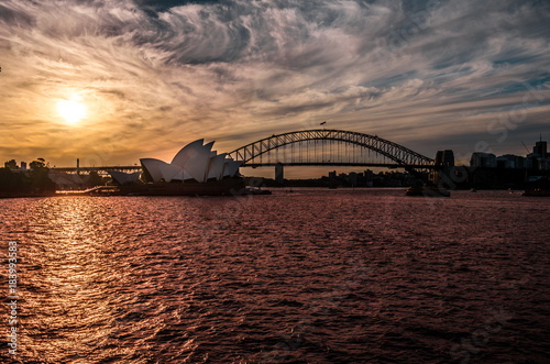 Staande foto Sydney seascape of Sydney, panoramic view of the Sydney bay during sunset. australia. travel.