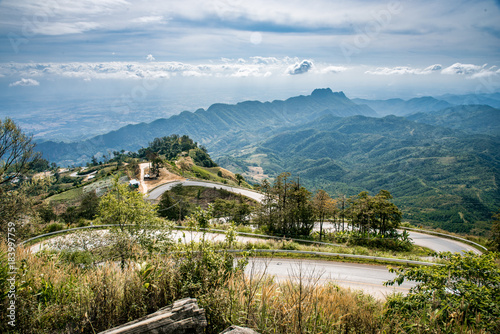 Foto op Aluminium Blauwe jeans Beautiful curve road in Phu-Tubberk, Thailand