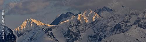 Foto op Aluminium Panoramafoto s Panorama na Jagnięcy Szczyt i Kołowy Szczyt Tatry WYsokie