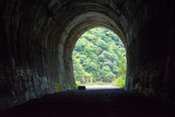 トンネル - 184061560