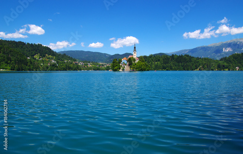 Foto op Aluminium Blauwe jeans Landscape Lake Bled and mountains