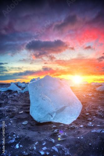 In de dag Aubergine Beautiful sunset over huge ice cube, Iceland