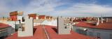 Vista panoramica de Azoteas y tejados chimeneas en edificios - 184072939