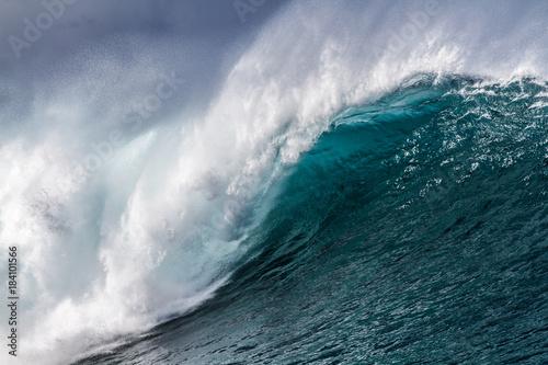 Big crashing Ocean wave up close