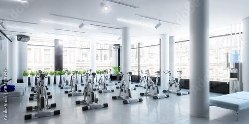 Plexiglas Fitness Ergometer im Fitness-Zentrum (panoramisch)