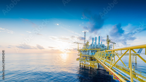 Leinwanddruck Bild Panorama of Offshore oil and gas construction platform to received raw gas and treat then sent to onshore refinery and petrochemical, Power and energy business.