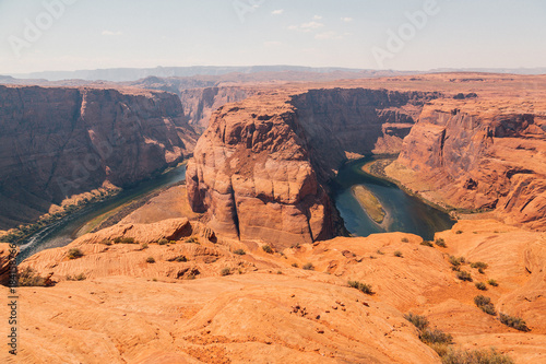 In de dag Oranje eclat Horseshoe Bend is a famous meander on river Colorado near the town of Page. Arizona, USA
