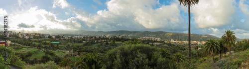 Foto op Aluminium Panoramafoto s Panorama von Gran Canaria mit Landschaft und Häusern