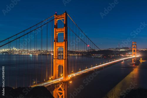 Sticker Golden Gate Bridge am Abend