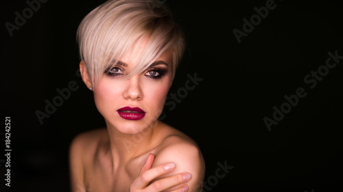 Foto op Canvas Kapsalon Portrait of beautiful woman with short elegant hairstyle