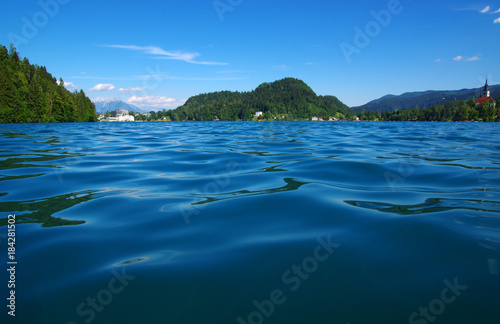 Foto op Aluminium Nachtblauw Landscape Lake Bled and mountains