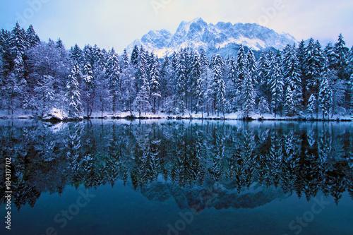 Deurstickers Bergen Traumhafte Winterlandschaft