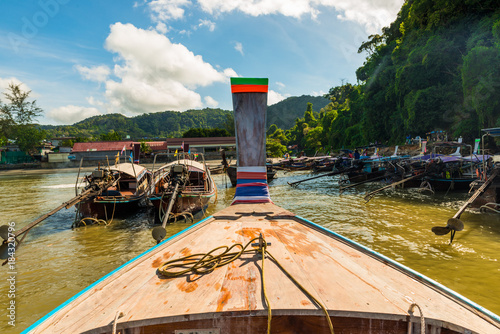 Foto op Plexiglas Indonesië nose of a wooden boat long tail in the harbor, Thailand