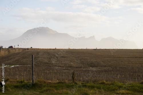 Plexiglas Wit Mountain range in south Iceland