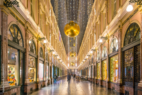 Fotobehang Brussel The historical Galeries Royales Saint-Hubert shopping arcades in Brussels