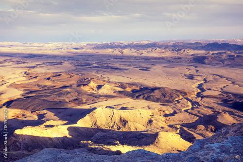 Foto op Plexiglas Aubergine Makhtesh Ramon Crater in Negev desert, Israel
