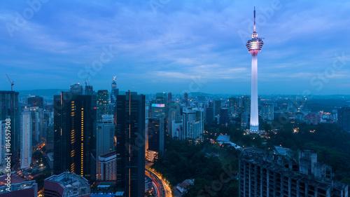 Tuinposter Kuala Lumpur aerial view of Kuala Lumper skyline at twilight